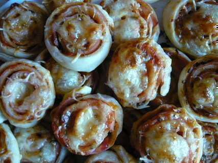 FOTKA - Mini pizza s debrecínkou